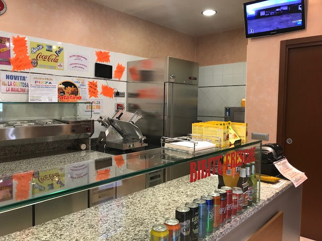 Vendesi Attività di Pizzeria al Taglio PREZZO RIBASSATO