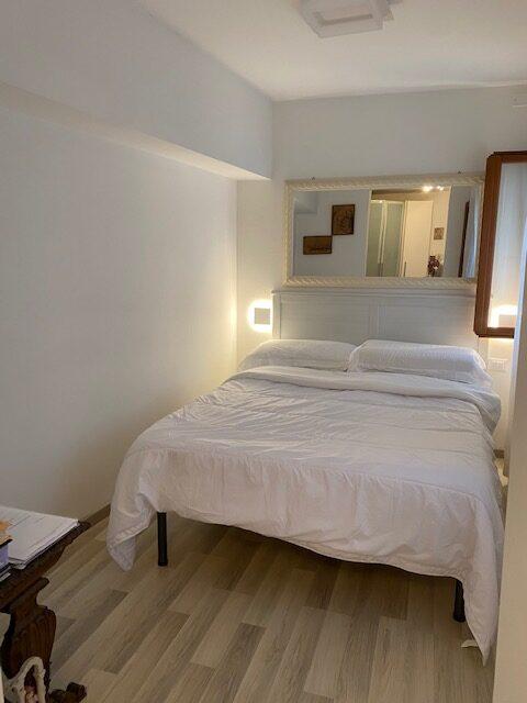 Appartamento a Chioggia arredato e completamente ristrutturato a nuovo di serramenti , pavimenti, bagno.