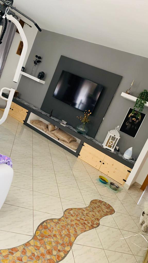 Appartamento a Chioggia , Zona Saloni , in una piccola palazzina, ristrutturato a due passi dal Centro.